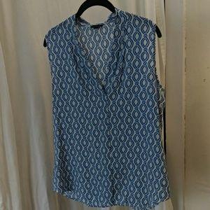 Ann Taylor blue/white patterned blouse - size M